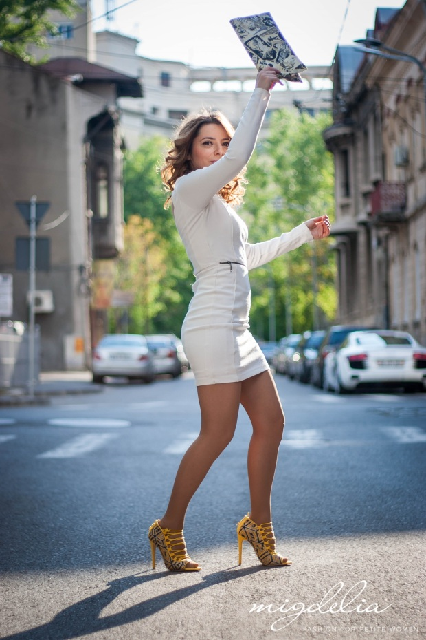 Migdelia, petite fashion - white dress